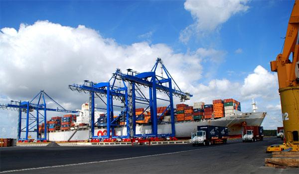 phí vận chuyển quốc tế