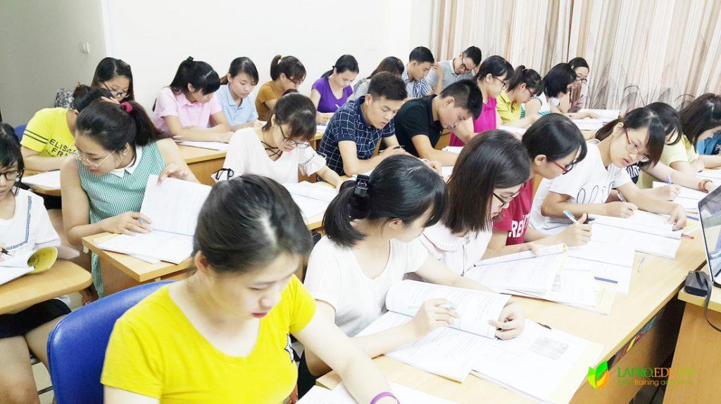 lớp học xuất nhập khẩu tại trung tâm lapro
