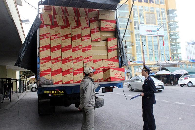 hàng hóa làm thủ tục hải quan cửa khẩu
